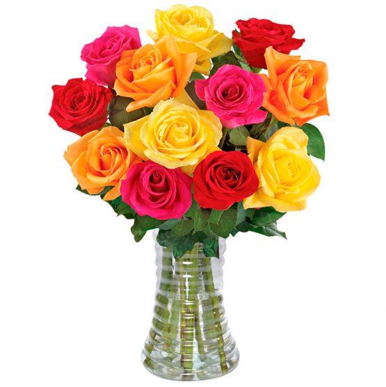 buquê 12 rosas coloridas no vaso